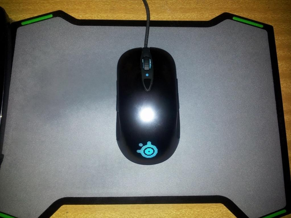 Sensei pro /w Razer Vespula mousepad